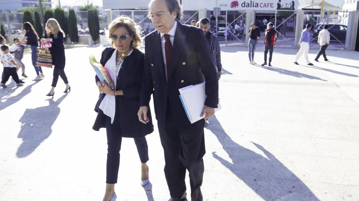 La exconsejera Martínez-Cachá, a un paso del juicio oral por la tubería del Carmolí