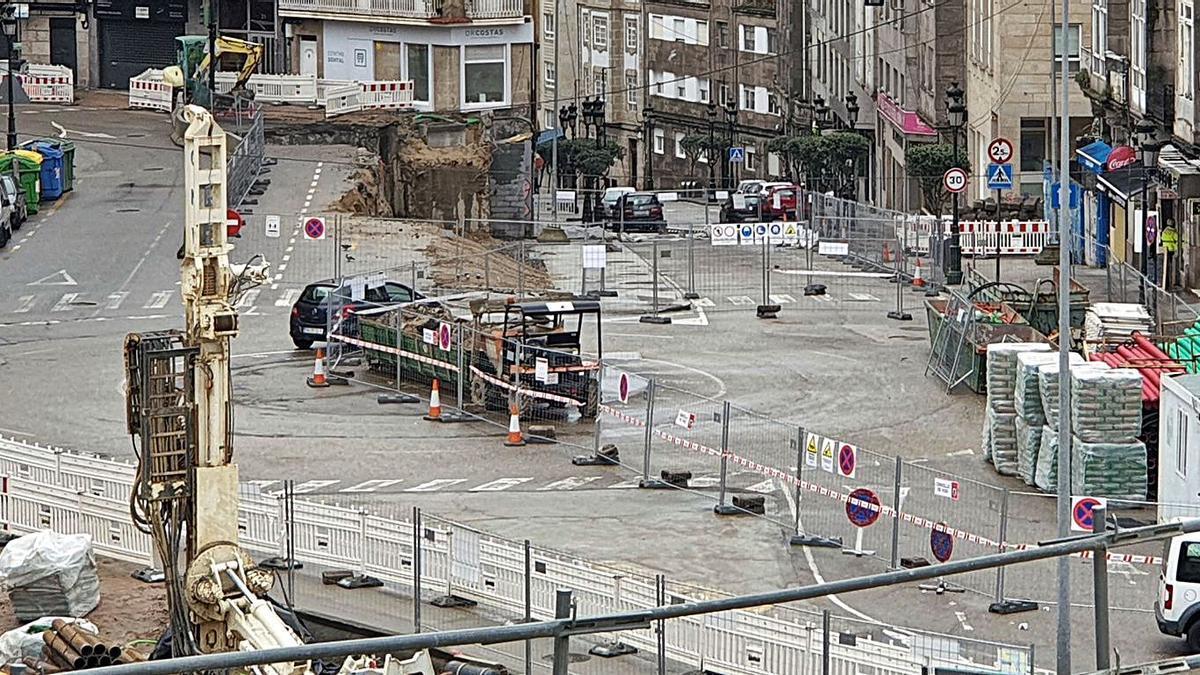 La calle, ya sin el paso elevado, en medio de las obras de Praza da Estación y Lepanto.   | // MARTA G. BREA