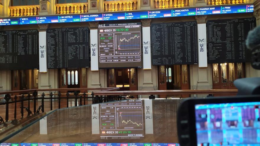 El Ibex 35 sube un 0,63% y recupera los 8.700 puntos