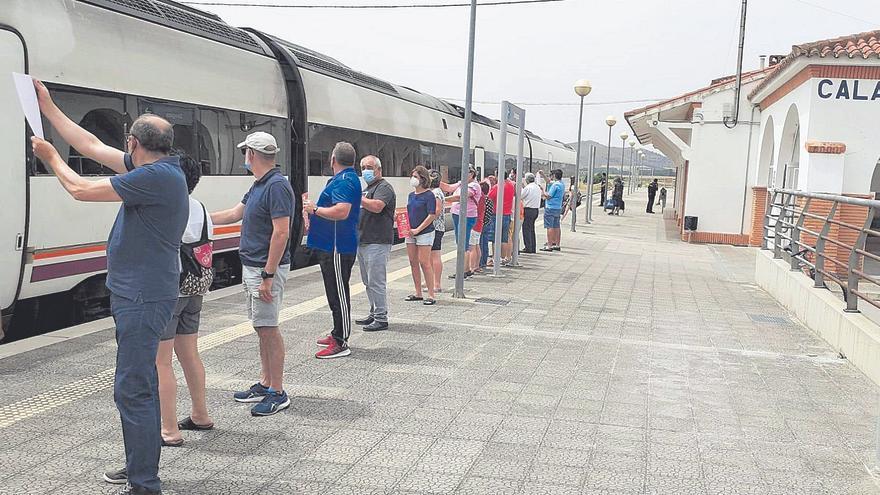 La marcha de Ábalos abre una «esperanza» en el futuro del tren en Aragón