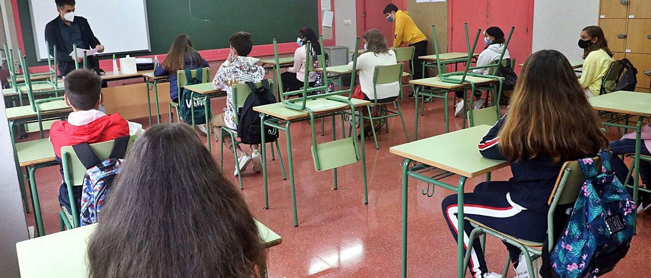 Imagen de archivo de pruebas de PISA en Galicia en su edición de 2015.     // BERNABÉ / LUISMY
