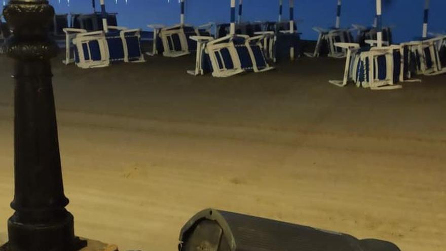 Sangrienta reyerta en una playa de Los Alcázares al defender unos chicos a un trabajador apedreado