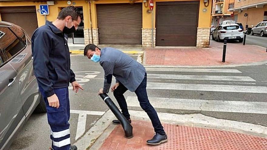 Burjassot inicia la instalación de bolardos flexibles y ecológicos