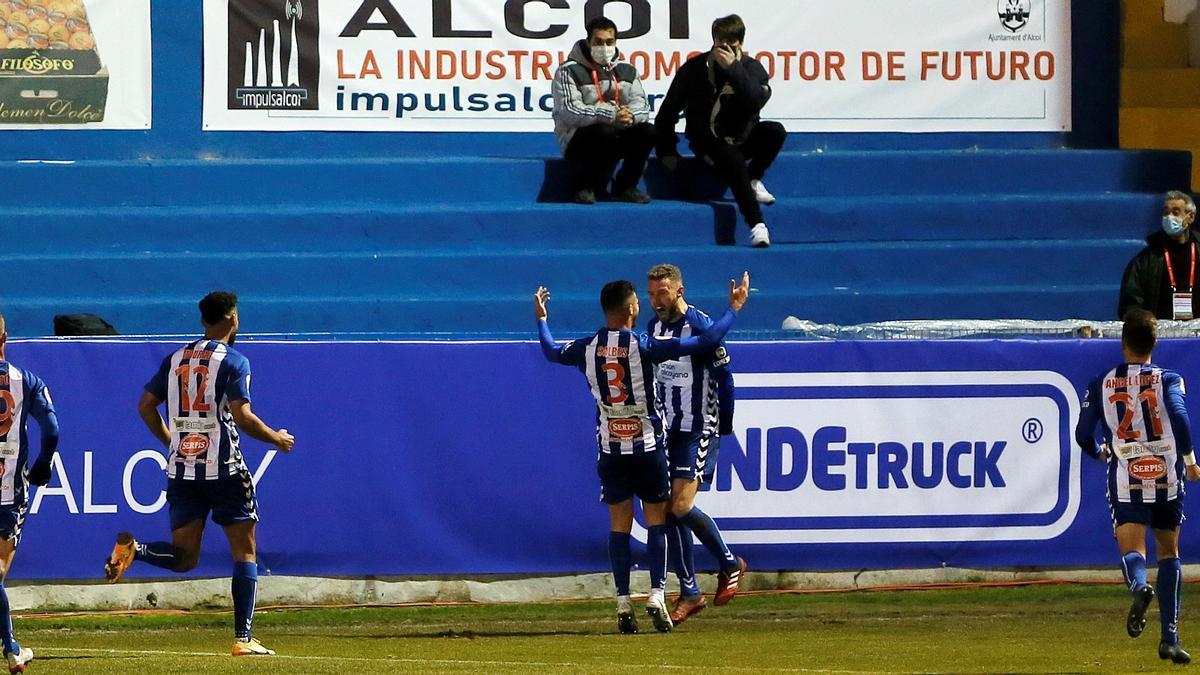 Alcoyano - Real Madrid: El Alcoyano hace historia y elimina al Madrid de la Copa del Rey (2-1)