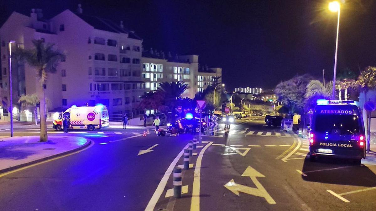 El accidente ocurrió en la pequeña rotonda situada en la avenida San Francisco, frente a Castle Harbour.
