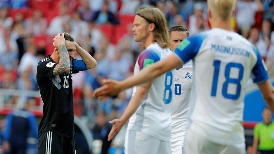 Islandia humaniza a Messi (1-1)