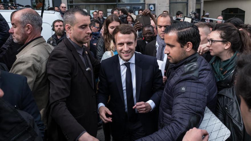 Macron amplia l'avantatge amb Le Pen en els últims sondejos
