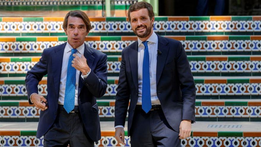 Aznar regala los oídos y consejos