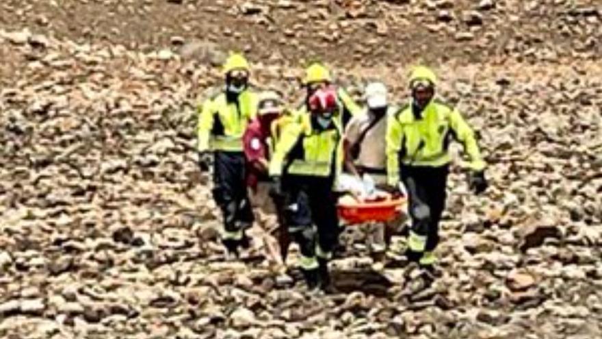 Rescatan a un senderista con problemas de salud en Tuineje