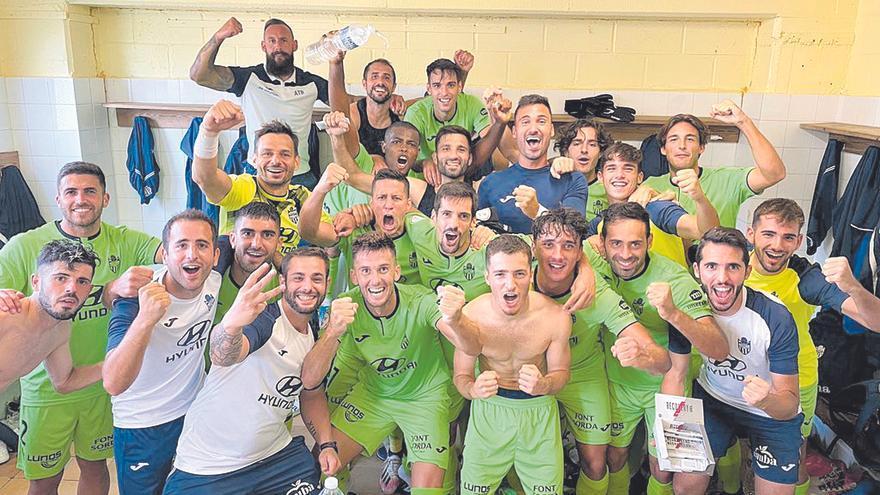 El Atlético Baleares reacciona a tiempo frente al Costa Brava