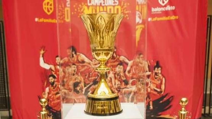 El lunes llegan a Asturias las copas del Mundo y del Eurobasket