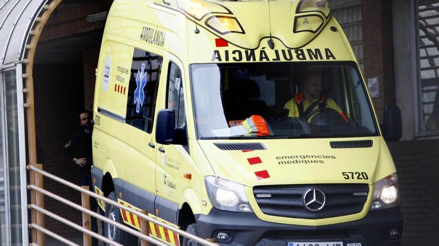 Mor una conductora en un xoc frontal amb un camió a Avinyonet de Puigventós
