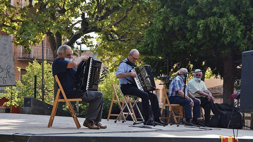 Els acordionistes mantenen el llistó alt en la tradicional cita de Solsona