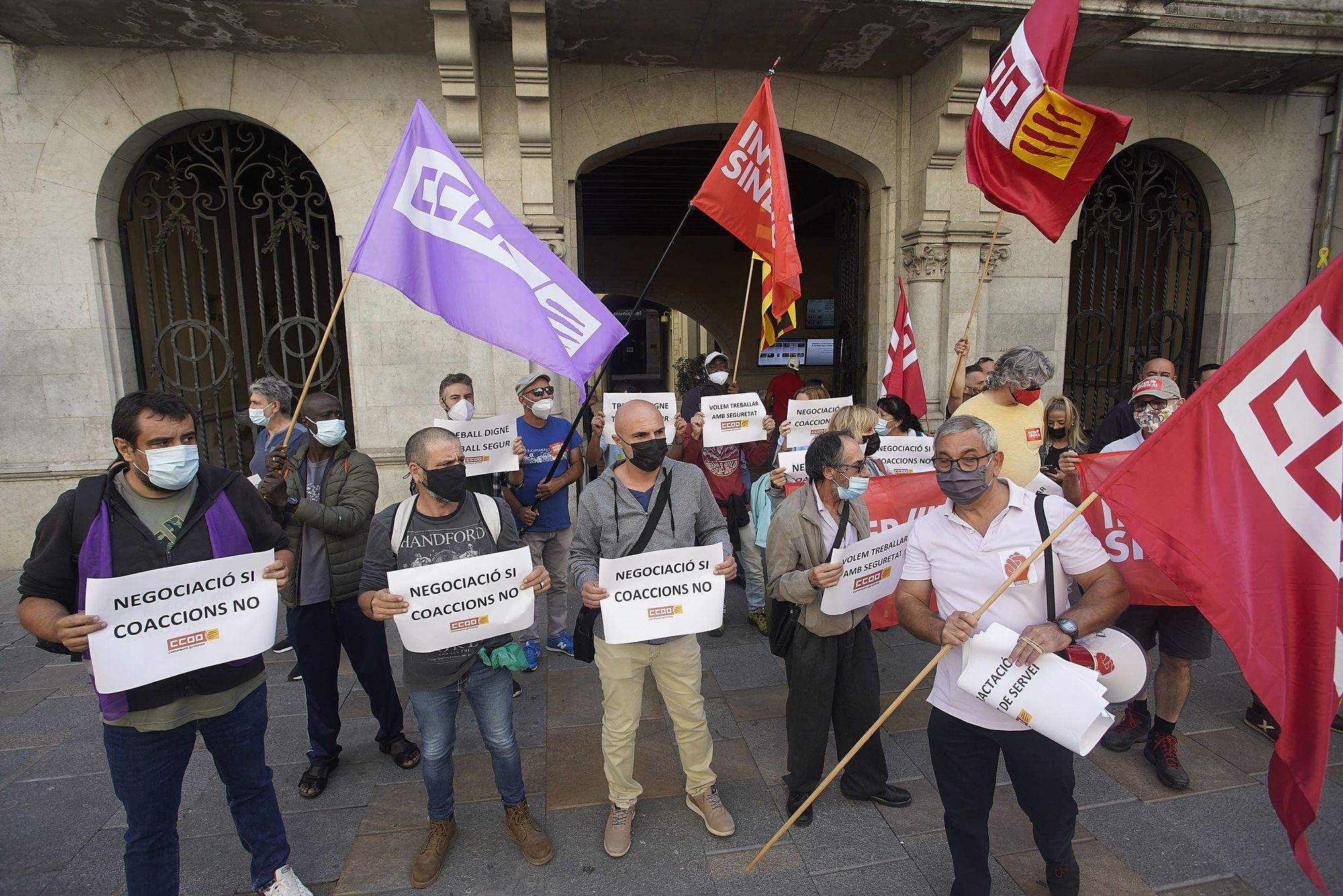 Treballadors de Girona+Neta lamenten que els «criminalitzin» per la brutícia i ho atribueixen a «retallades encobertes»