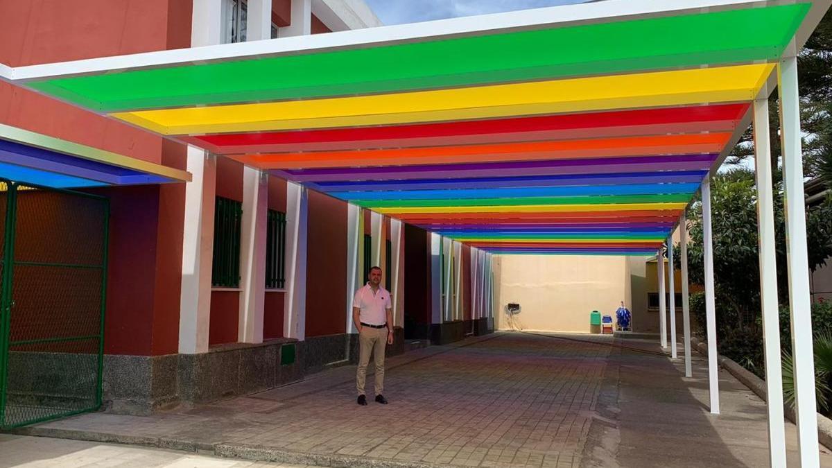 El Ayuntamiento de Santa María de Guía invierte más de 40.000 euros en la instalación de una pérgola en el CEO Luján Pérez de Casas de Aguilar