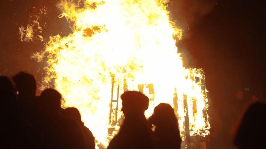 Cancelada la hoguera de San Juan, que será sustituida por bailes para evitar multitudes
