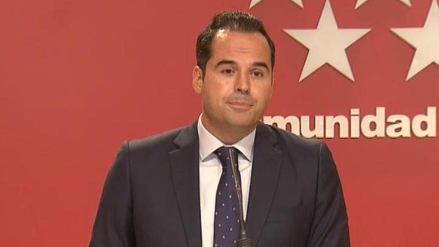 Aguado rechaza una moción contra Ayuso aunque el PSOE ceda la Presidencia a Cs