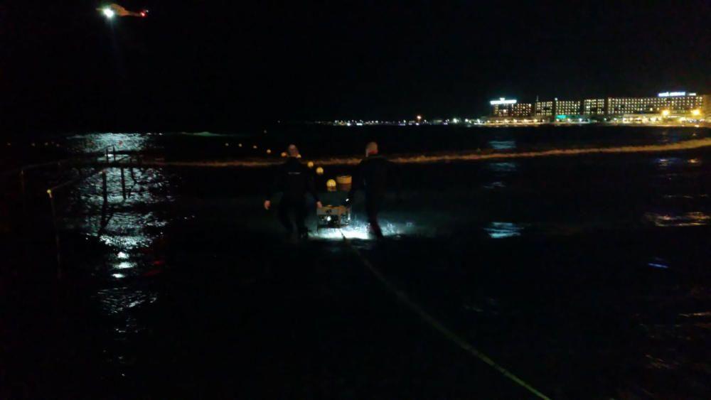 Amplio dispositivo nocturno de búsqueda de un nadador desaparecido en el Postiguet