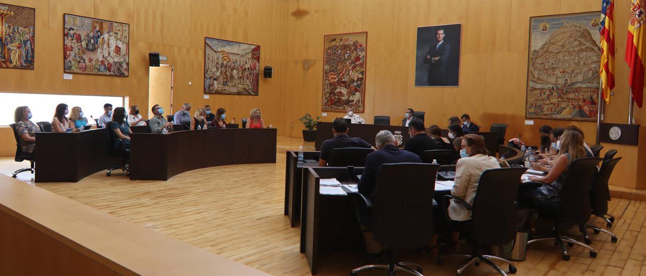 El pleno de este lunes en el Ayuntamiento de Benidorm.