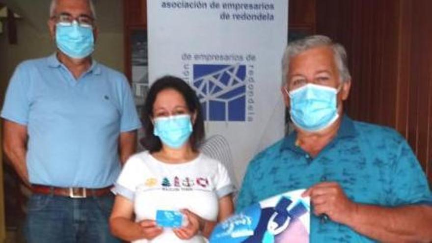 """El comercio entrega los premios de la campaña """"Días Azuis"""""""