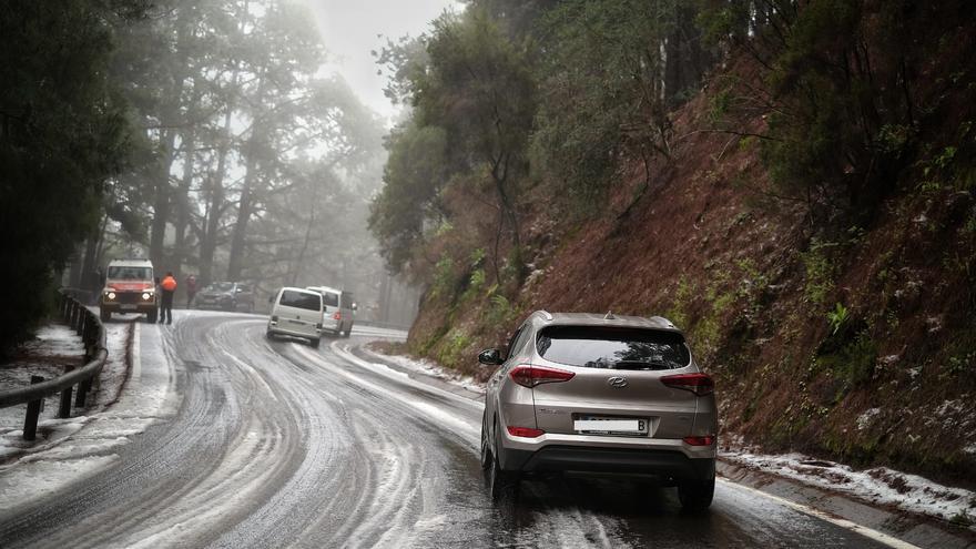 Los accesos al Teide, con nieve