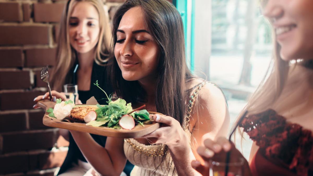 Menjar fora de casa: És possible fer-ho de manera saludable?