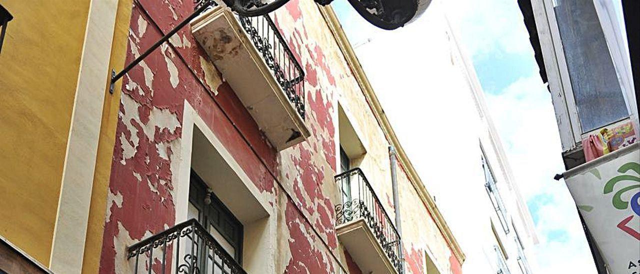 Fachada de los almacenes Parreño de la calle Salvador de Elche