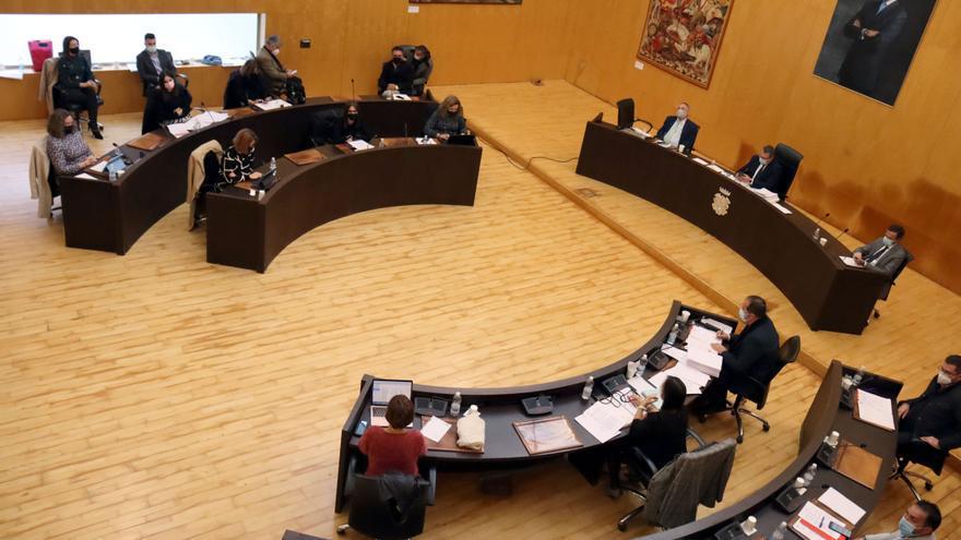 El pleno de Benidorm da luz verde a la contrata del mobiliario y la nueva licitación de puestos del Mercado