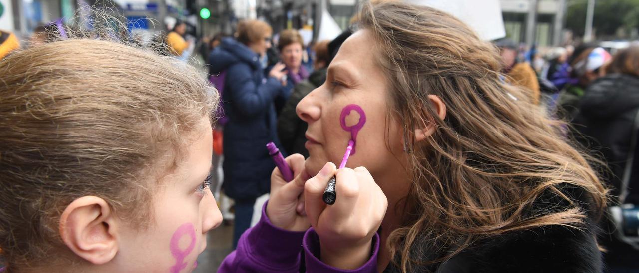 Asistentes a una manifestación por el Día Internacional de la Mujer.