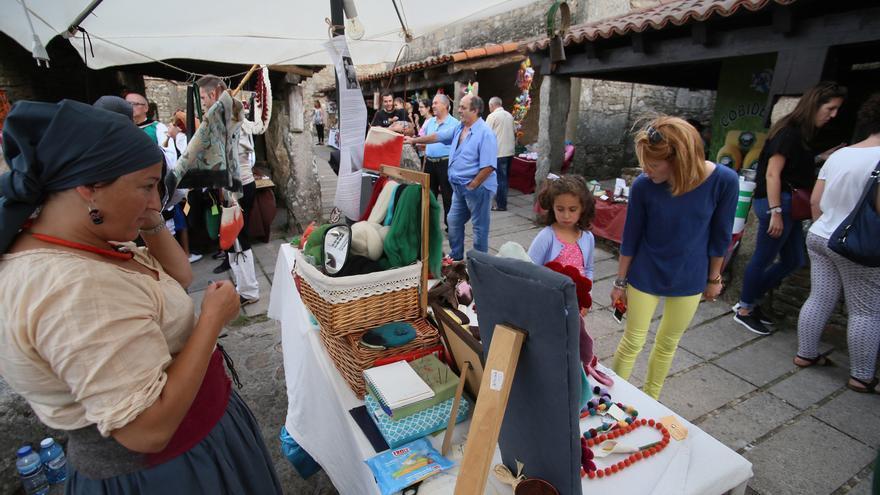 La Mostra de Artesanía de Agolada recorta un día y contará con una treintena de artesanos