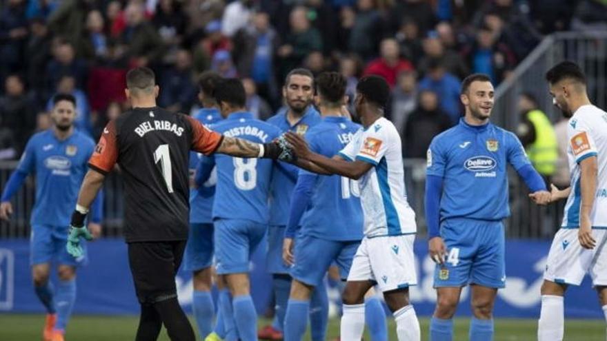 Suspendido el Deportivo - Fuenlabrada por un brote de coronavirus en el equipo madrileño
