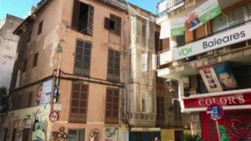 Anwohner sorgen sich um Hausbesetzer in baufälligem Gebäude