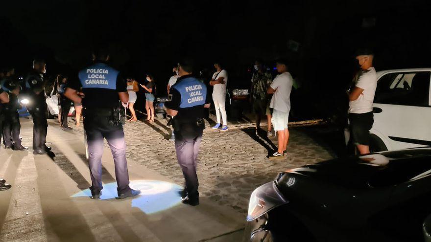 La Policía Local de Santa Cruz interviene en un botellón con 16 personas