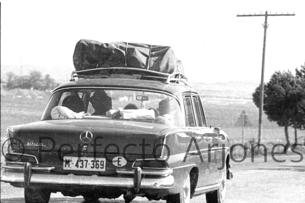 Así era el tráfico en la ciudad de Alicante en los años 60 y 70 en pleno verano