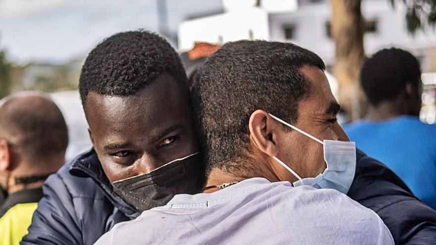 Migraciones se compromete a readmitir en los campamentos a los migrantes en situación de calle