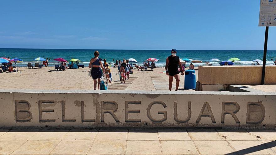 La ayuda del Gobierno llega a la playa de Bellreguard año y medio después