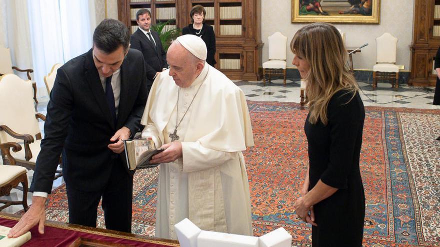 Sánchez es reuneix amb el Papa Francesc al Vaticà