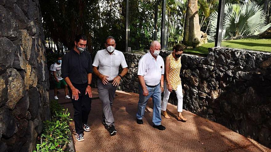 La Asociación Mundial de Zoológicos y Acuarios alaba la labor de Loro Parque
