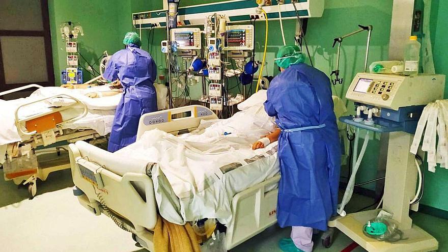 La presión sobre el hospital se dispara sin apenas ya camas libres
