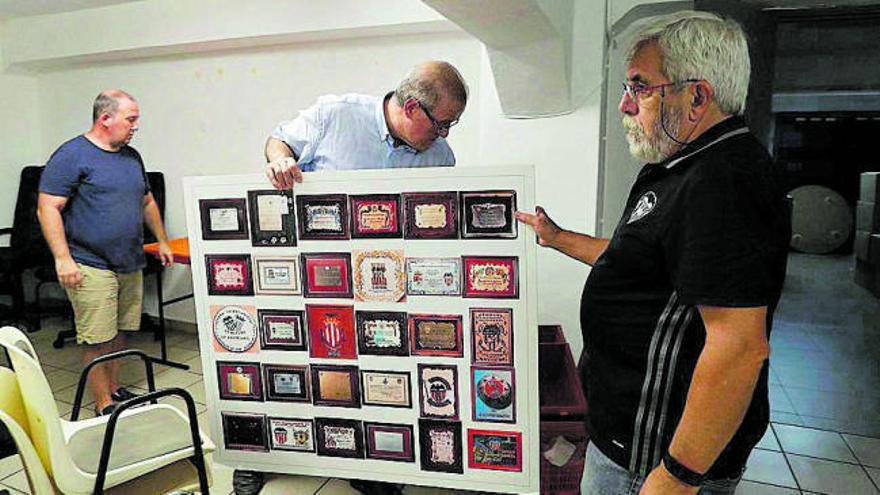 La Agrupación de Peñas del Valencia CF desaloja el local de Mestalla