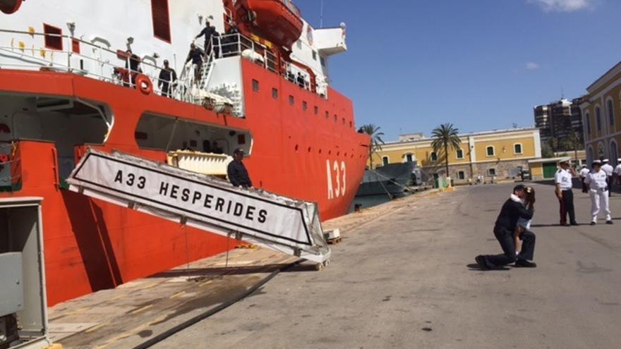 El buque 'Hespérides' permanece en Canarias tras el brote de Covid-19 detectado a bordo