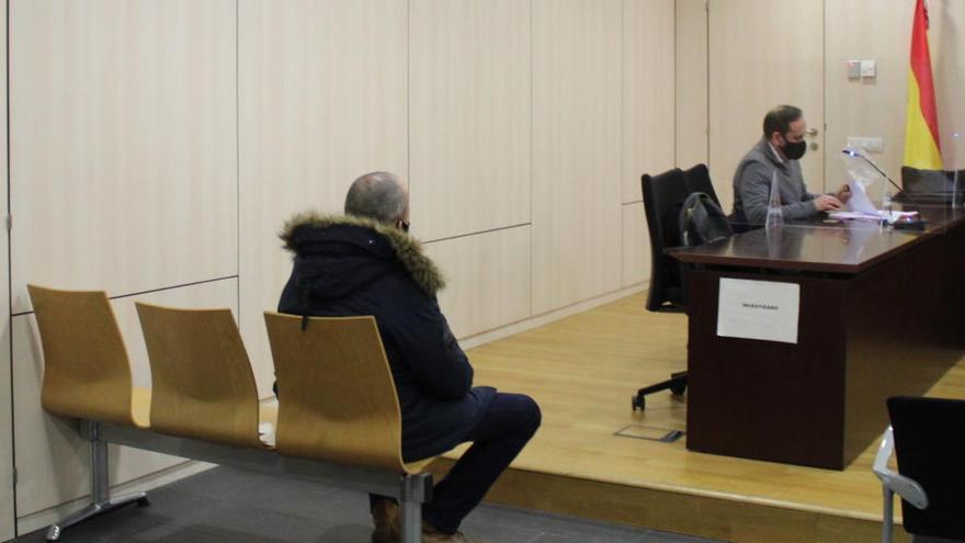 La fiscalia demana una multa de 720 euros per l'ultra acusat d'amenaces al periodista manresà Pere Fontanals