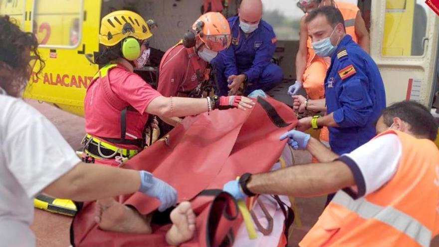 Un hombre cae 12 metros mientras hacía barranquismo en Onil