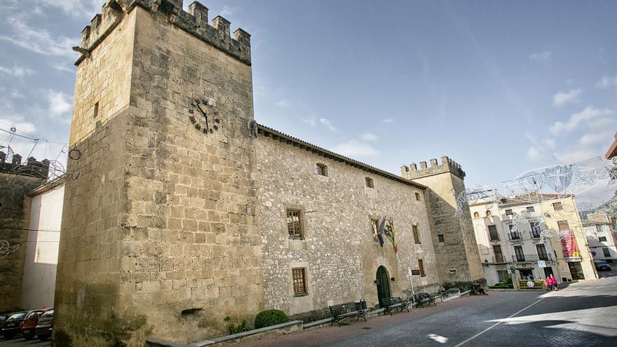 Onil conmemora los 50 años de la adquisición municipal del Palacio del Marqués de Dos Aguas