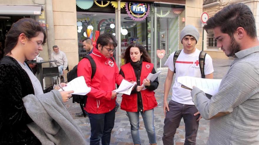 Cruz Roja inicia una campaña para dar a conocer qué es la aporofobia