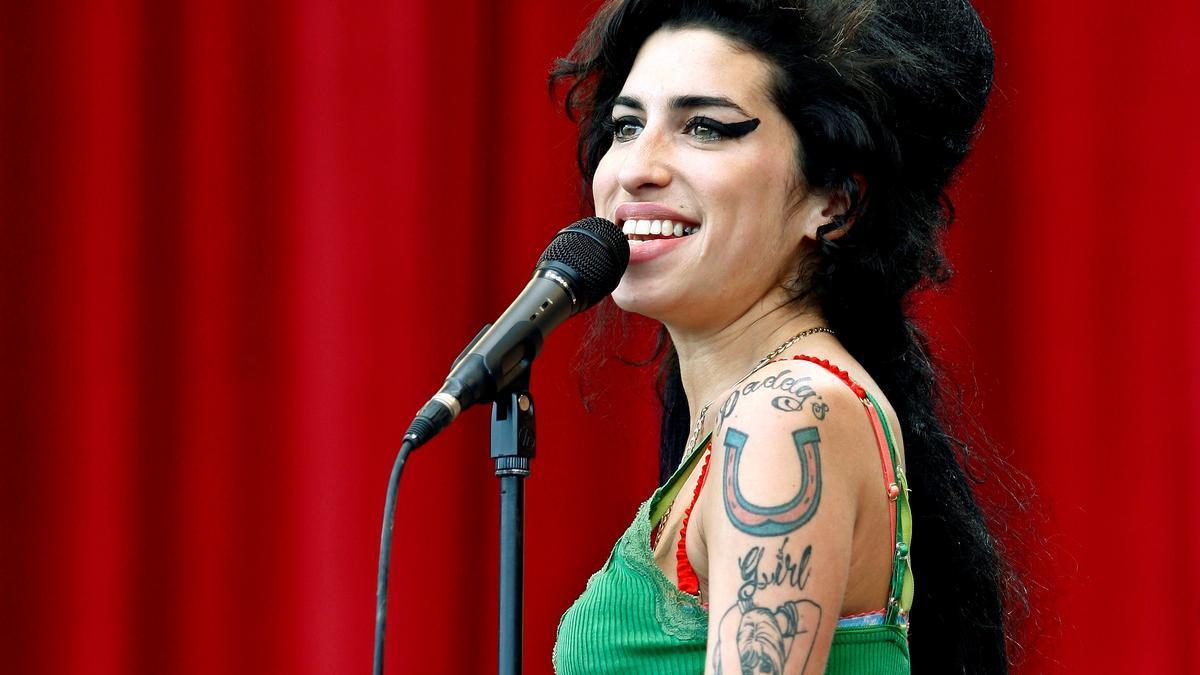 Amy Winehouse falleció con 27 años.