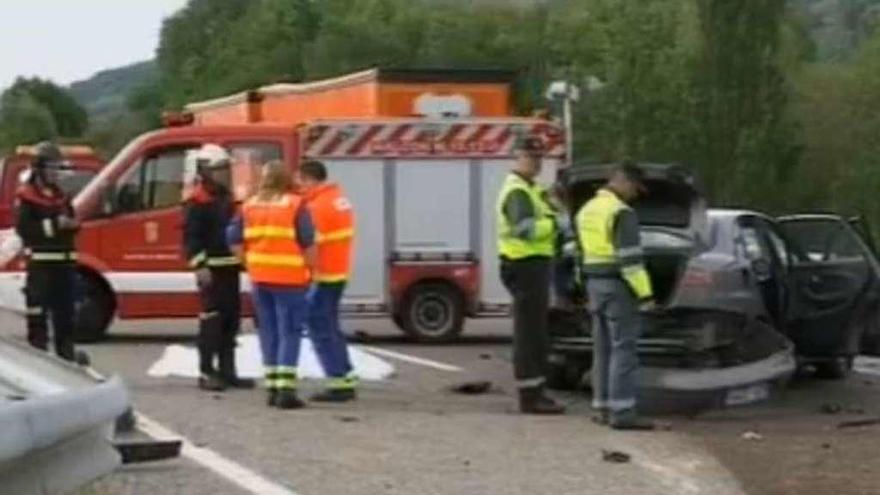 Una joven de 23 años de Malpica fallece en un accidente al salirse de la vía en Becerreá