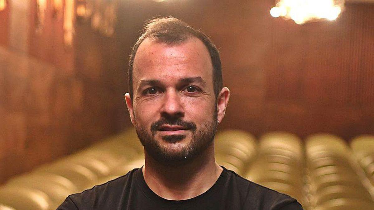 El director musical Fernando Briones, en el Colón.