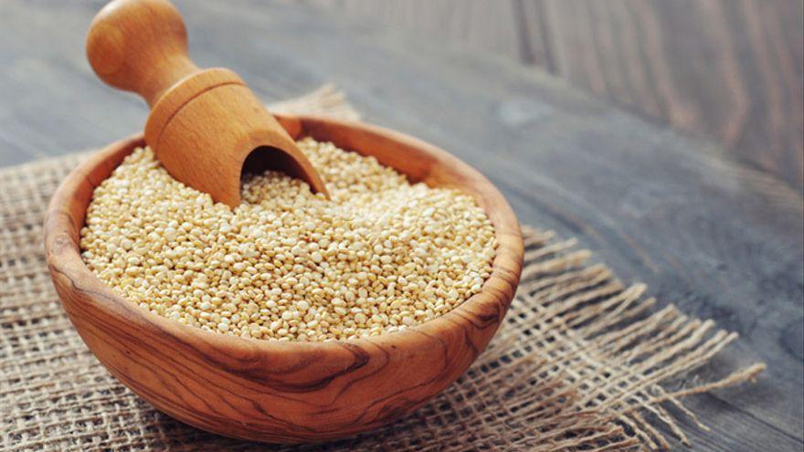 La quinoa ya es historia: este es el superalimento de moda que tiene el doble de calcio que la leche