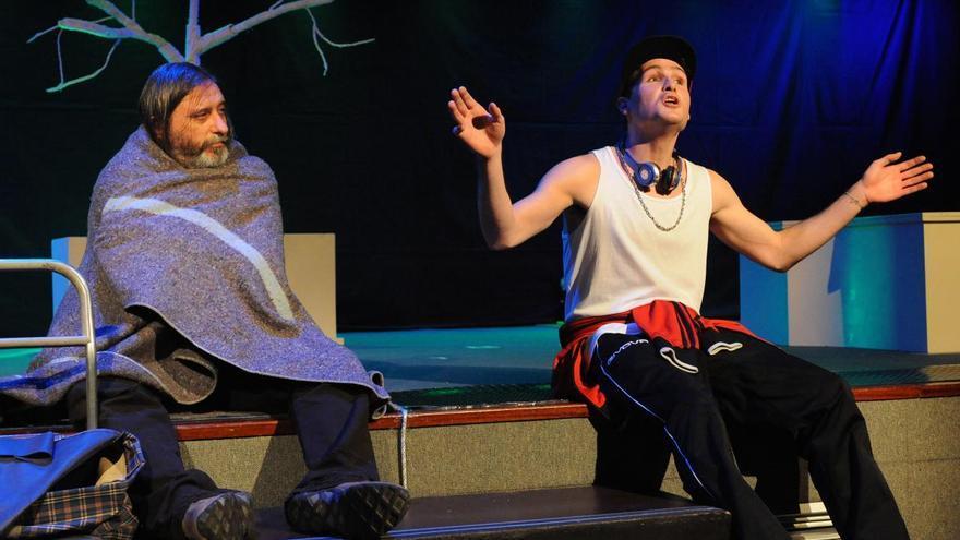 El Festival de Alcántara incluye una obra con actores ciegos